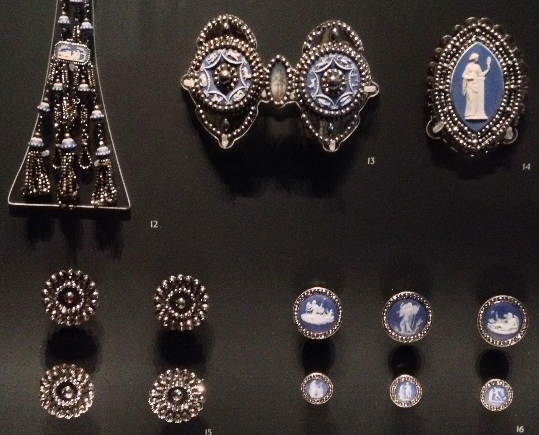 Regency era buttons