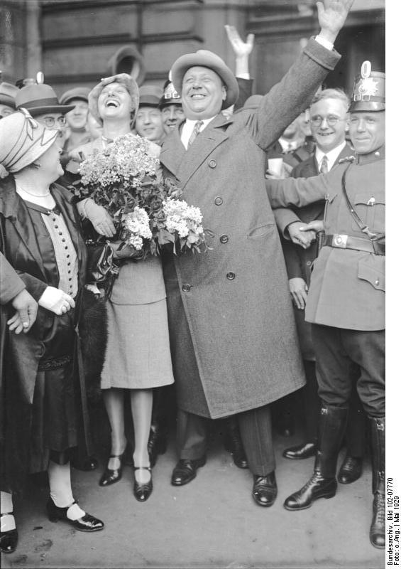 Emil Jannings in Berlin. Creative Commons photo Bundesarchiv, Bild 102-07770.