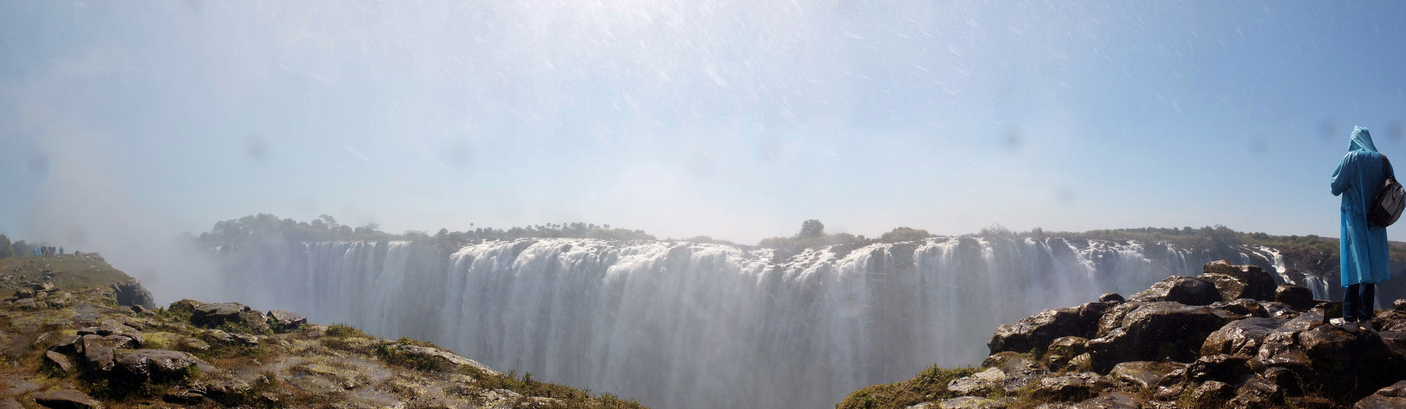 Victoria Falls. CC2.0 photo by Tee La Rosa.